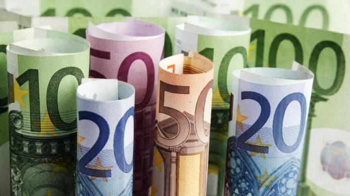 """Investitorii din România solicită 30 de miliarde de euro """"terapie de șoc"""" pentru a economisi economia de la recesiunea pe termen lung a Covid-19"""