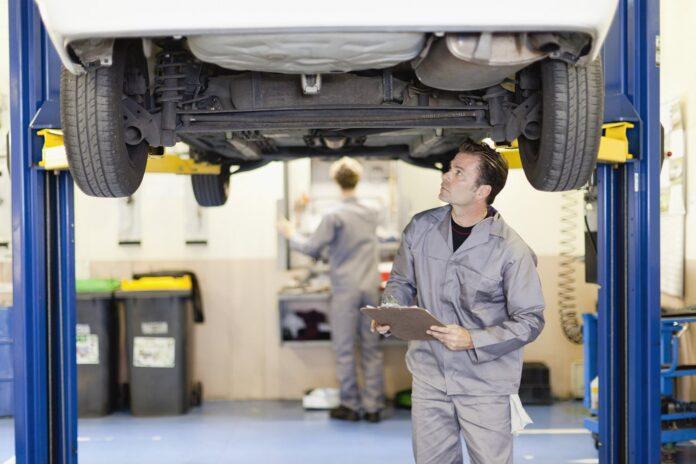 Sfaturi utile despre cum trebuie să alegeți service-ul care se va ocupa de mașina dumneavoastră