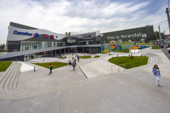 Programul de funcționare al Veranda Mall se restrânge, cu excepția Carrefour, al farmaciilor și serviciilor comunitare.